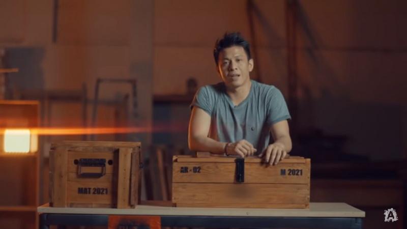 Asah Kreativitas, Ariel Noah Buatkan Agnez Mo Box Militer Spesial