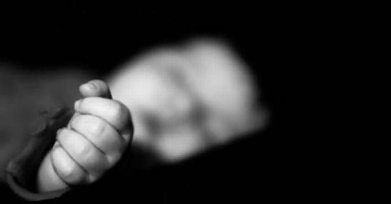 Bayi di Dalam Kardus Ditemukan di Rumah Kosong : e-Kompas.ID