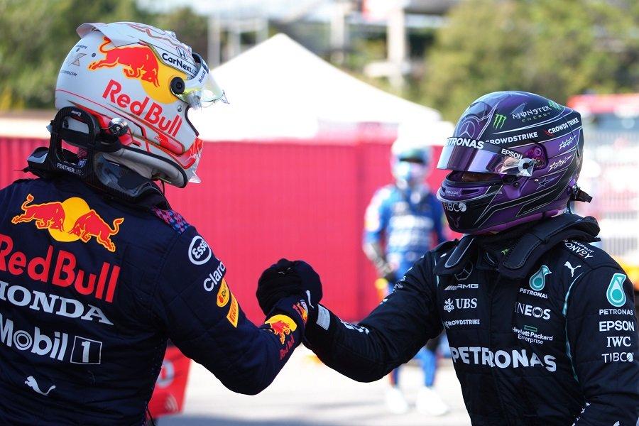 Hamilton Panasi Verstappen Jelang Balapan F1 GP Spanyol 2021 :