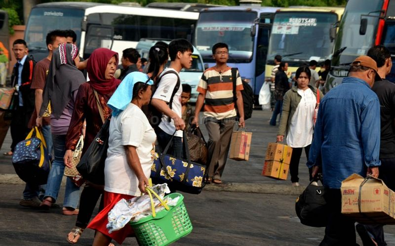 Kakorlantas Sebut Penyekatan Turunkan 74% Pemudik ke Jawa : e-Kompas.ID