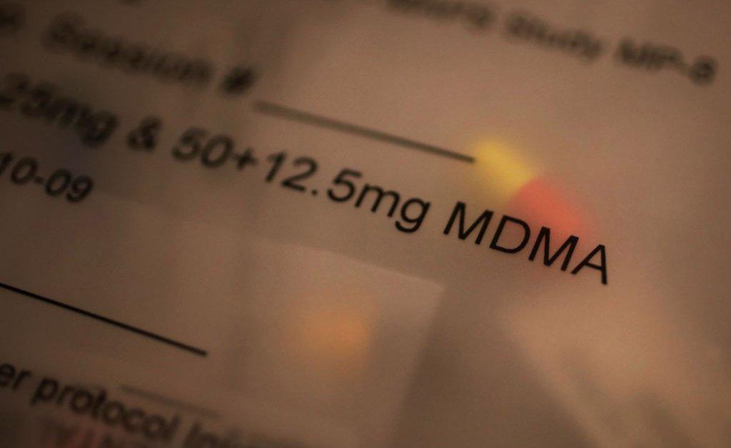 Sebuah Studi Baru Menunjukkan MDMA sebagai Pengobatan Ampuh untuk PTSD
