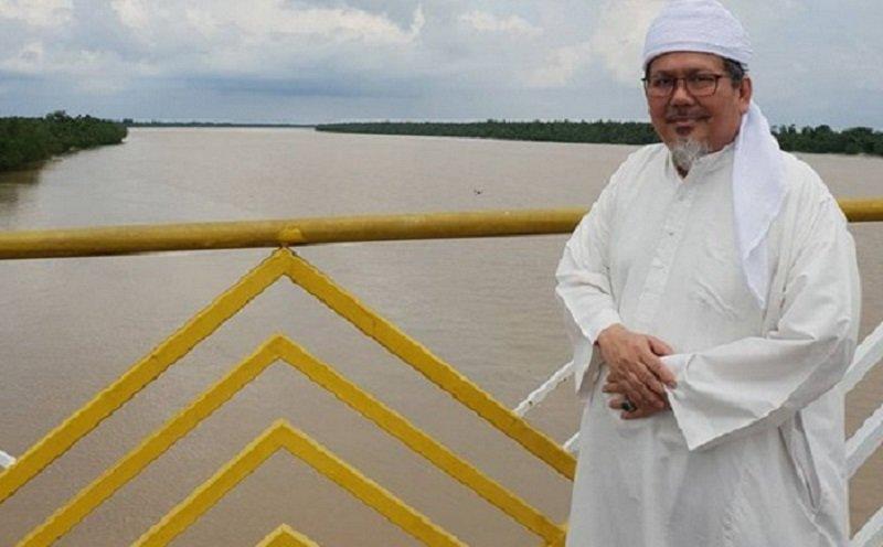 Mengenang Ustadz Tengku Zulkarnain, Mendiang Suka Pakai Busana Serba Putih