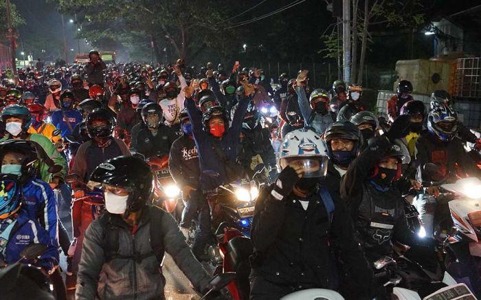 Polisi Putar Balik Pemudik di Perbatasan Garut : e-Kompas.ID News