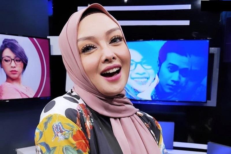 Positif COVID-19, Terry Putri Kehilangan Indra Penciuman : e-Kompas.ID Celebrity
