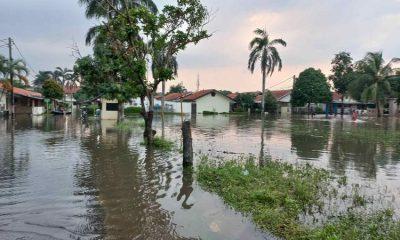 Ratusan Korban Banjir Kompleks Polisi Udara Mengungsi, Butuh Popok dan